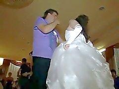 Unter den Rock geschaut Braut