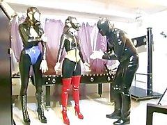 Gefesselte sklavinnen - Scene 6