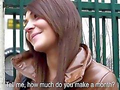 Eurobabe de Alexis rodaballo perforó y traga eyaculación por dinero