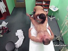 empoissonnement noir baise patient médecin