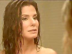 Sandra Bullock ve Chelsea Handler Çıplak Duş