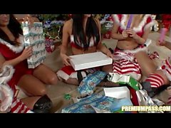 Audrey Bitoni - Gift Exchange By The Julen Tree!