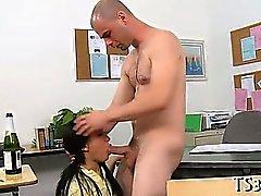 Tränare borrmaskiner hans lärjunge