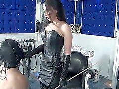 Diva de fétiche de Nadia