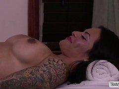 Latina Foxxy orgasmic butt centric