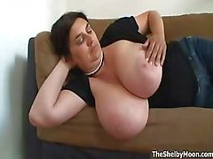 Desagradable puta brunette pone cachonda Parte5 juego