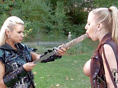 Lesbiana samurai Ashley Bulgari and Danielle Maye