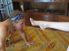 Di Domme Kyaa piedi schiavi Palline Rilegatura