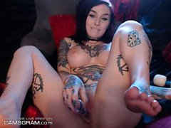 Tattooed Brunette Solo Show With Toy