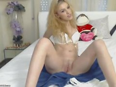 Solo Gloves on webcam