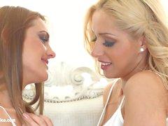 Beautés naturelles Melanie Gold et Dominica Fox