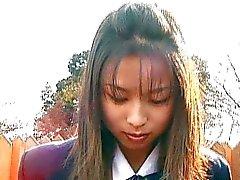 Puta japonesa tem calcinha molhada