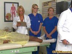 CFNM infirmières cocksuck black dick à l'hôpital