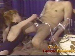 Беспощадный любовниц объединяться , чтобы сделать петух раба больно неплохо