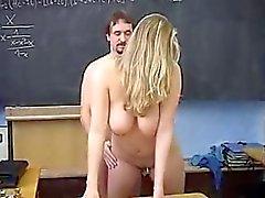 Blondelover By Sınıf içinde Busty Koleji Bebek Fucked .