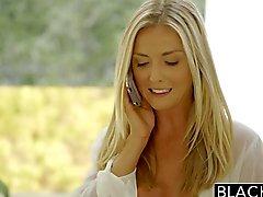 Oscurato Bella bionda Karla di Kush adora il massaggio la BBC