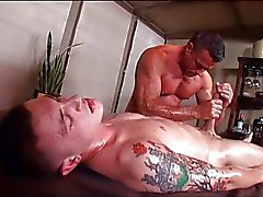 Massage maakt beide cum