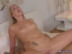 Muscled guy fucking a hot blonde MILF