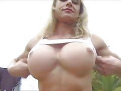Maduro musculosos com clitóris grande - Ar Livre