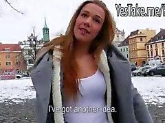 Slutty amatör tjej knullas och creampied för pengarna