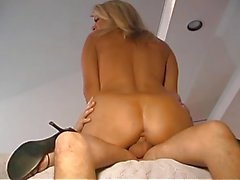 BUSTY MILF DRILLED BY YOUNG COCK...usb