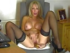 Chantal 47 masturba vivono a casa webcam