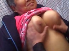 Asian amaeur granny enjoy it