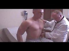 Physikalische Armee Muskel Jungen