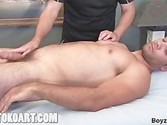 Seth получает массаж
