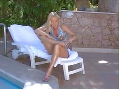 Silvia Saint Oiled Feet
