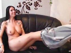 Tracy geniesst es beim Pornocasting mal por geil gefickt zu