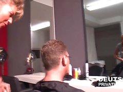 Friseurin Ina wird gefickt