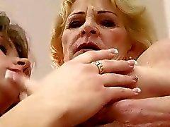 Бабка и подростковой чтобы совершить горячую любить