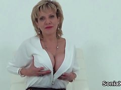Cheating uk mature lady sonia flashes her big jugs