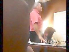 camma nascosta afferra una donna mature slutty succhiare un cazzo