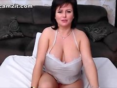Busty Mature BBW Milf Toying And Fingering Her Pussy