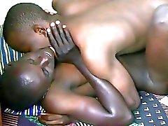 Afrikaanse bedelen voor meer seks