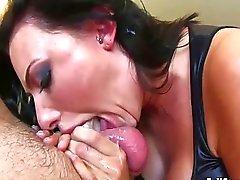 Putas Seductora mamando vergas