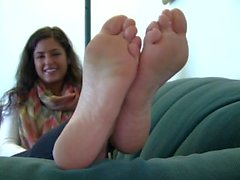 Teen with gorgeous soles