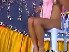 Beautiful Thai Girls Dancing