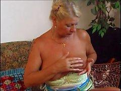Полненькие бабушка сосания и верховой езды большое дон