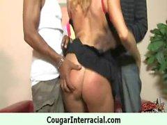 Горячий пумы получает выебанная юной черным человеком 3