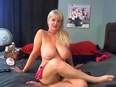girl xpanacea masturbating on live webcam