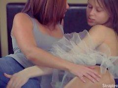 lesbian strapless dildo 003