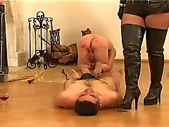 Mistress Facesitting 3