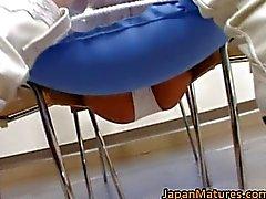 Аппетитные японский зрелыми милашки сосание