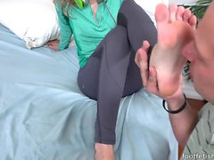 Rachel James Has Feet Worshipped and Gets a Cumshot on Soles