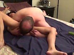 girlfriend Orientali scopato cetriolo