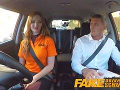 Fake Driving School busty redhead student knullade i hennes håriga ingefära fitta