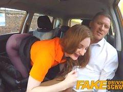Fake Driving School Busty Redhead Student in ihre haarige Ingwer Pussy gefickt